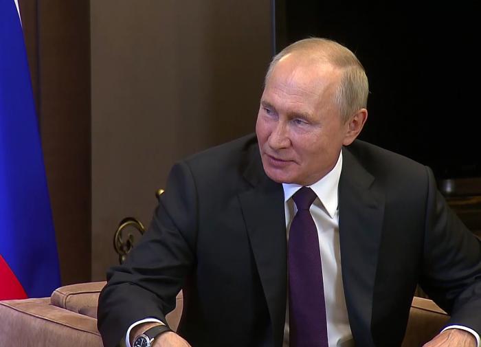 Путин оценил сравнение вакцин из РФ с автоматом Калашникова