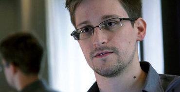 Сноуден отверг обвинения в работе на российскую разведку