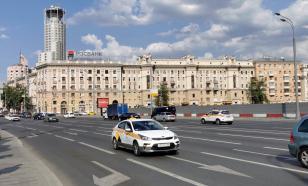 В центре Москвы обрушился фасад жилого дома