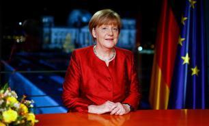"""Меркель попросила немцев не поддаваться """"расовой ненависти"""""""