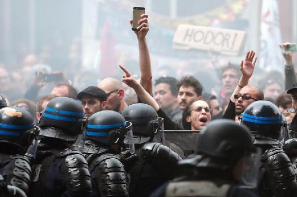 Французские военные выступили против пенсионной реформы в стране