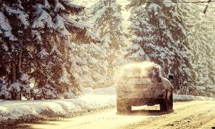 Машины оказались в снежном плену в Оренбуржье
