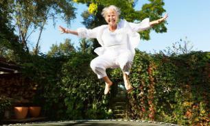 Прыжки на одной ноге защитят пожилых женщин от опасных переломов бедра