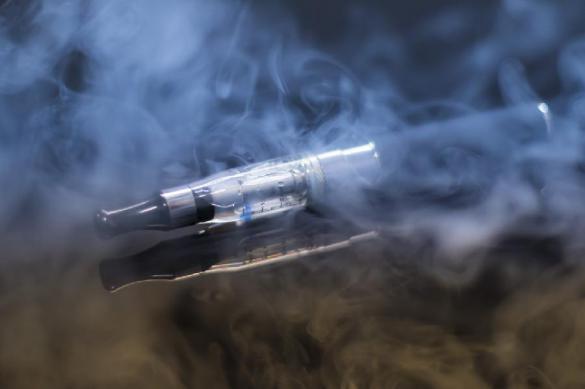 Учёный: курить электронные сигареты — это дышать антифризом