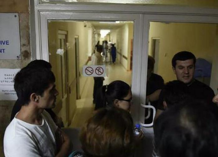 Больницы Армении прекратили приём плановых пациентов ради раненых