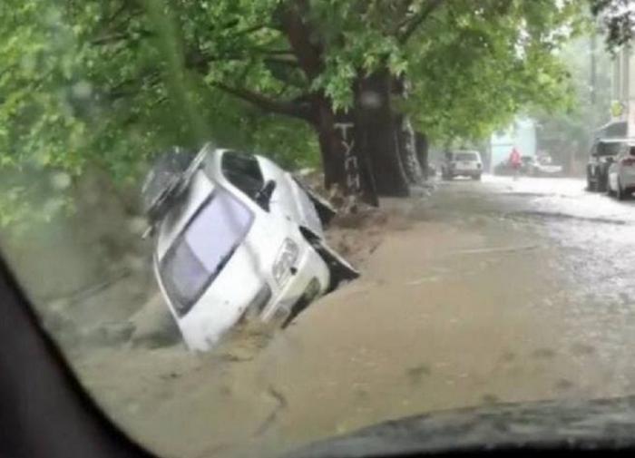 В Ялте из-за затопления погиб один человек