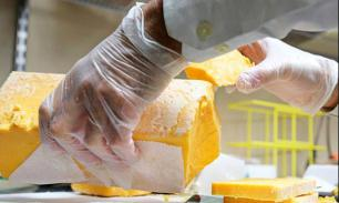 """Пограничники поймали украинца, """"перебрасывавшего"""" в Россию 600 кг контрафактного сыра"""