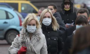 Роспотребнадзор рекомендовал не носить медицинские маски на улице