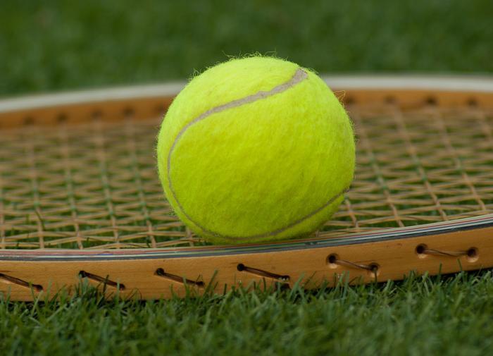 Теннис. Сафин становится первой ракеткой мира и намерен выиграть Олимпиаду