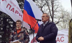 Либералы и националисты хотят залить Москву кровью
