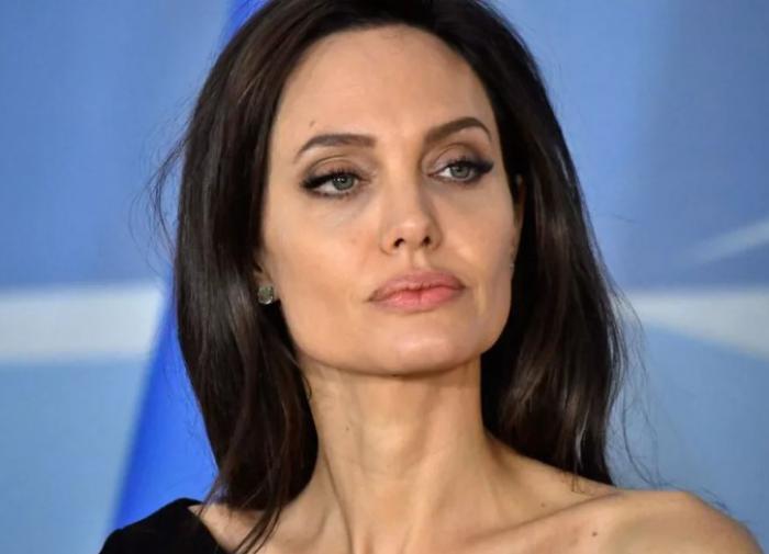 Анджелина Джоли помолодела за время карантина