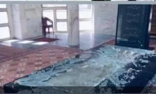Талибы* осквернили могилу отца Ахмада Масуда