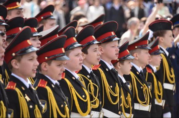 Кадеты встретили День знаний торжественной линейкой и маршем на ВДНХ