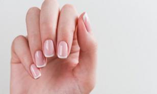 Белые пятна на ногтях могут указывать на язву или сахарный диабет