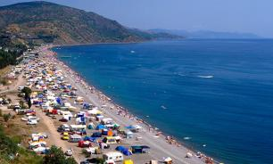 Власть решилась продлить туристический сезон в Крыму