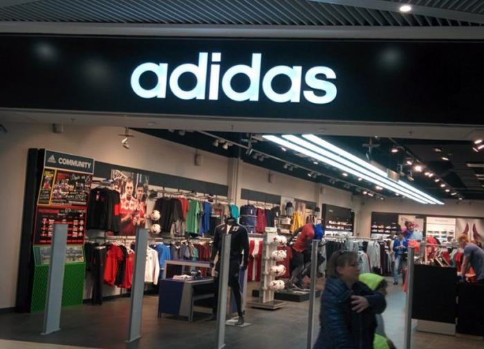 Китайский бойкот опрокинул продажи Adidas и Nike
