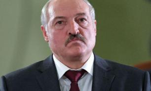 """Лукашенко заявил, что """"чиновников-галочников"""" нужно сажать без суда"""