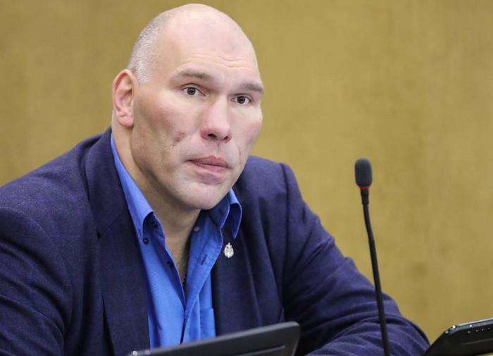 Валуев: Эмоции Хабиба после боя характеризуют его с лучшей стороны
