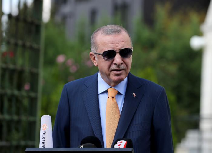 Эрдоган обвинил Макрона в расистском терроризме