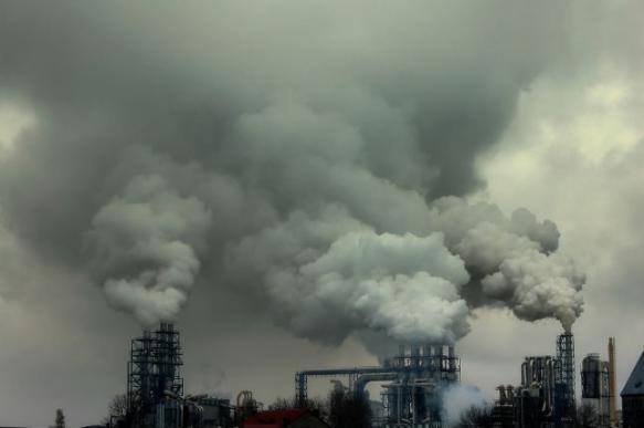 Глава Роскосмоса предложил сжигать мусор на космических заводах