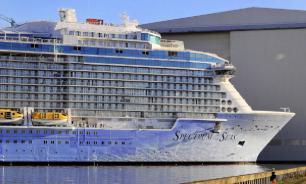В Карибском море произошло столкновение двух круизных лайнеров