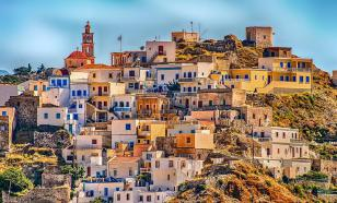 Греческие каникулы в компании звёзд и пеликана