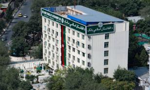 Глава банка Афганистана: экономика вот-вот окончательно рухнет
