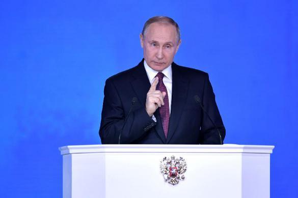 Путин: семьи, в которых есть школьники, получат по 10 000 рублей