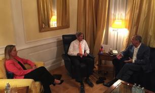 Сергей Лавров проводит встречу с Могерини и Керри