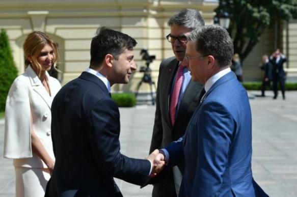 Зеленский поблагодарил спецпредставителя США за помощь Украине