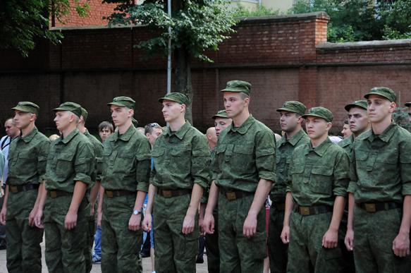 Российским рядовым и сержантам увеличат зарплаты с 1 сентября
