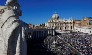 Ватикан закрыл собор и площадь Святого Петра для туристов
