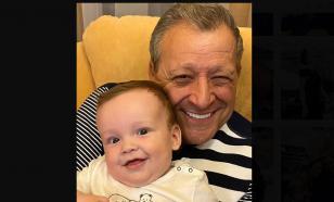Вдова Грачевского поздравила сына с первым днём рождения
