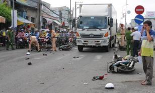 В вьетнамской провинции произошло страшное ДТП
