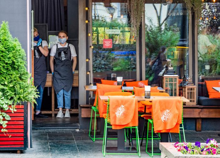 В Москве раскрыли условия эксперимента по созданию COVID-free зон в ресторанах