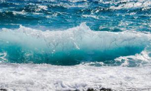Мертвый суперконтинент поглощает воду океанов