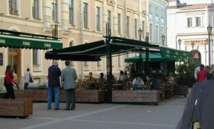 Московские рестораторы готовятся к открытию сезона летних кафе
