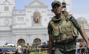 """Премьер Шри-Ланки назвал """"трусливой атакой"""" серию взрывов в столице"""
