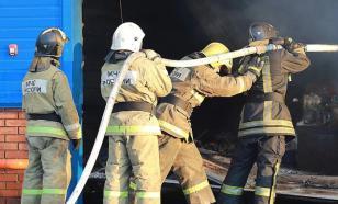 В центре Екатеринбурга горит хлебокомбинат
