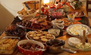 Как правильно вести себя за праздничным столом