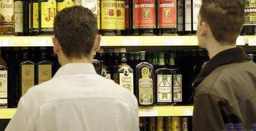 """Почему алкоголь уходит в """"тень""""? – Прямой эфир Pravda.Ru"""
