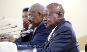 Президент Уганды заявил, что жители страны умирают от переедания