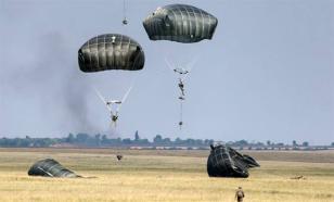 """Эдуард Лимонов: США угрожают России """"бумажными тиграми"""""""