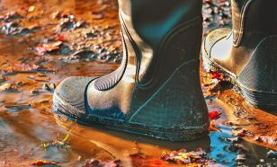 Почему нельзя долго носить резиновые сапоги, объяснили врачи