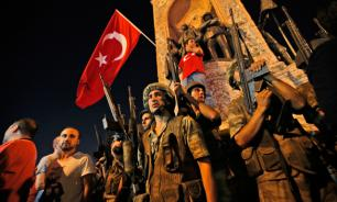 Турецкие солдаты-мятежники приняли переворот за учения
