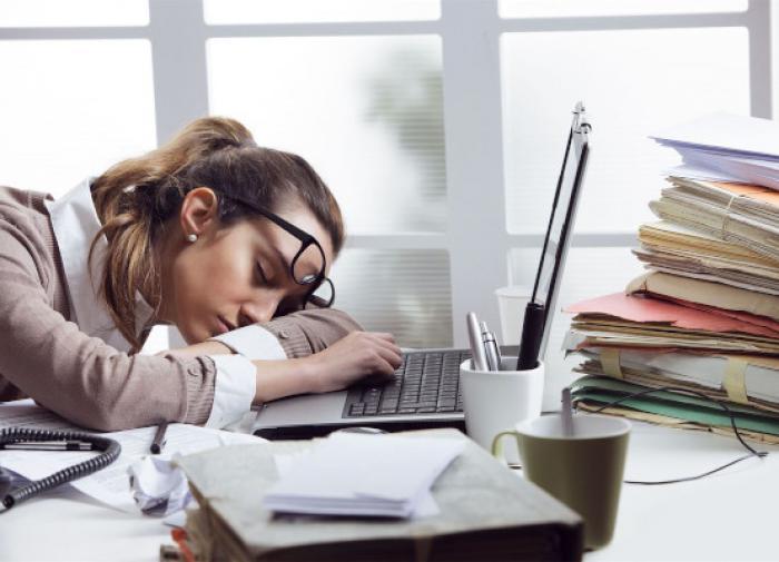 Врач назвал причины дневной сонливости