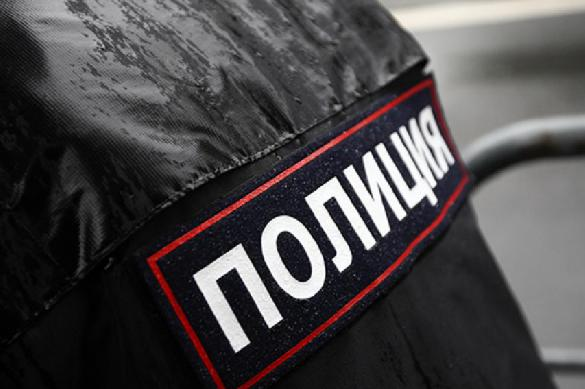 В Москве неадекватный мужчина напал с ножом на полицейских