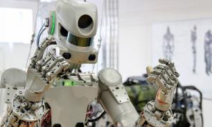 Госдума оценила риски потери работы россиянами из-за роботов