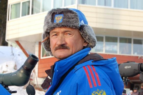 Главный тренер сборной России по биатлону нагрубил журналистам