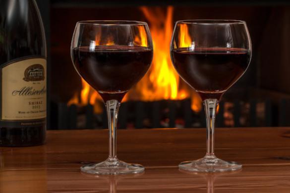 В Роспотребнадзоре рассказали о влиянии алкоголя на COVID-19